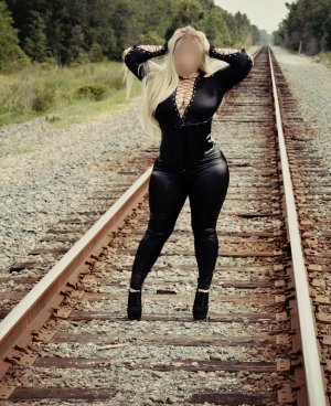 Alissonne escort girl in Streator