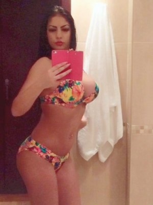 Salka live escort in Clayton