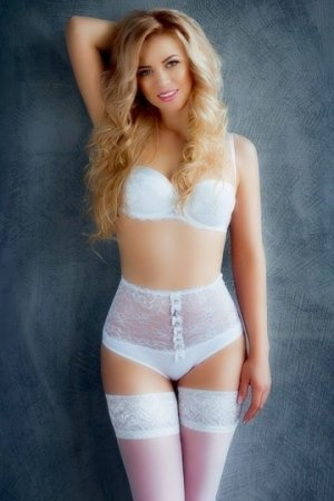 Solvene escort girl